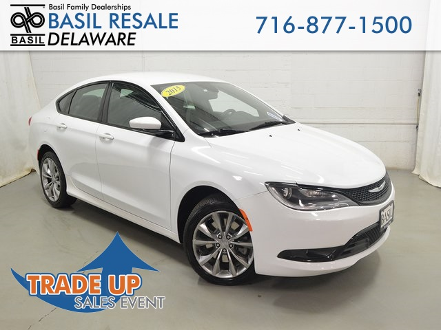 Pre Owned 2015 Chrysler 200 S 4d Sedan In Buffalo D3178 Basil