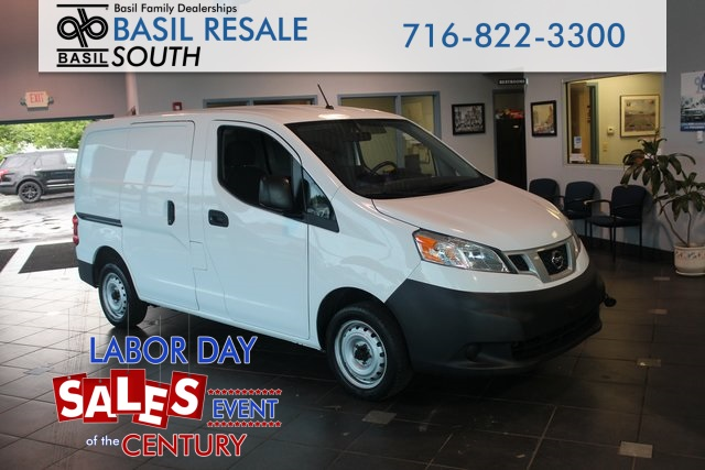 Pre-Owned 2016 Nissan NV200